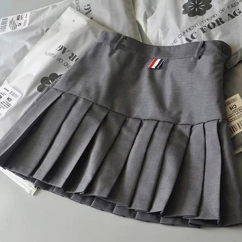 Spring and summer new ins wind high waist college wind suit material TB pleated skirt A word skirt short pants 2019