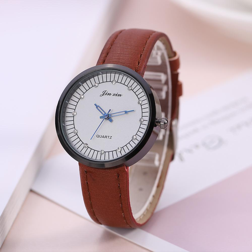 Venda moda creativa, ocio, versión coreana de reloj de pulsera para mujer, estilo de reloj de cuarzo para mujer.