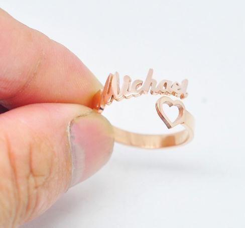 Ajustable Tamaño Nombre de encargo del corazón del corazón del anillo de acero inoxidable personalizada boda único joyería de los anillos regalo para las mujeres de la muchacha