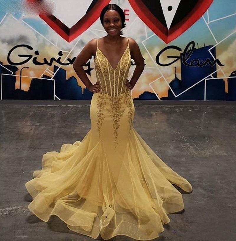 Vestido de Formatura Longo vestidos de noche de tul blusa Appliqued rebordear cuello en V espaguetis Strapls Sirena de oro de África Prom Vestidos