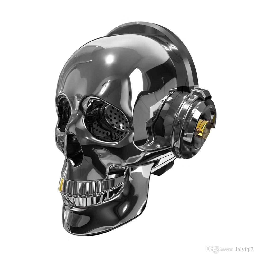 2018 popular new AeroSkull Skull Head Speaker dazzle LED Fire Portable Bluetooth Bass Stereo for Halloween Unique Gift Design caixa de som
