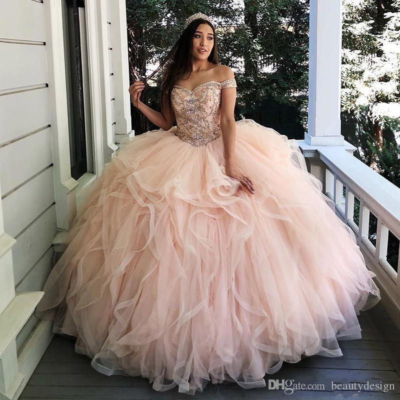 Encantadores volantes de color rosa claro con gradas Vestidos de quinceañera Fuera del hombro Apliques Grano Dulce 16 Vestido Corsé Volver Tul Vestidos de fiesta