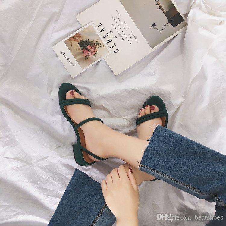 Новый дизайнер женщины сандалия Универсальная круглая Голова Низких каблуки римские сандалии замша Толстого с Дикой Сандалией моды платье на высоких каблуки твердой обуви