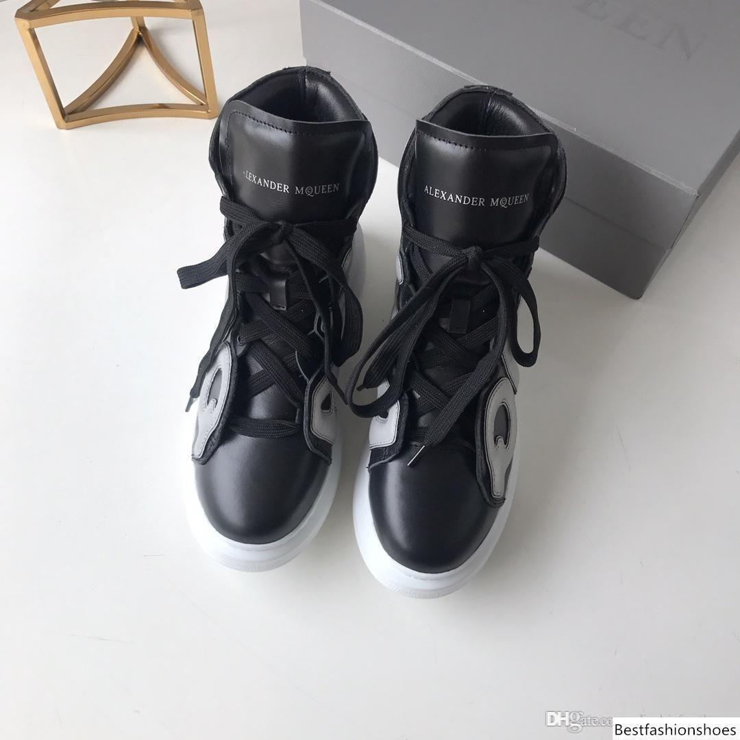 Die besten Luxus-Frauen-beiläufige Schuh-neue Entwerfer-echtes Leder-Sneakers Leichte Schnürsystem-Up beiläufige Schuh Thrick Bottom Schuhe