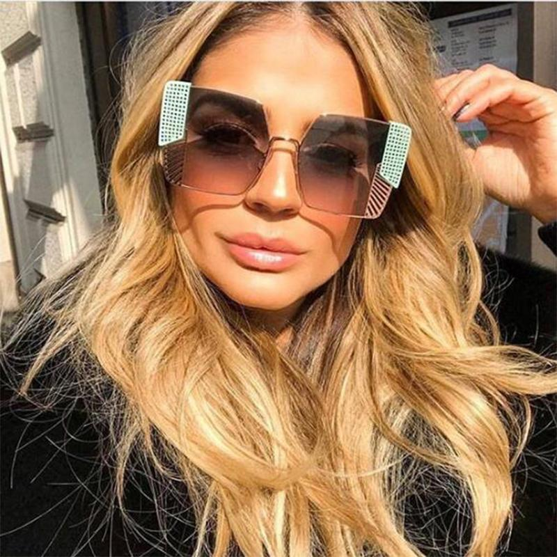 luxury- Gold Black Sunglasses Square Glasses High Fashion Designer Brand Oversized Metal Frame Boutique Eyewear Oculos De Sol C19041201