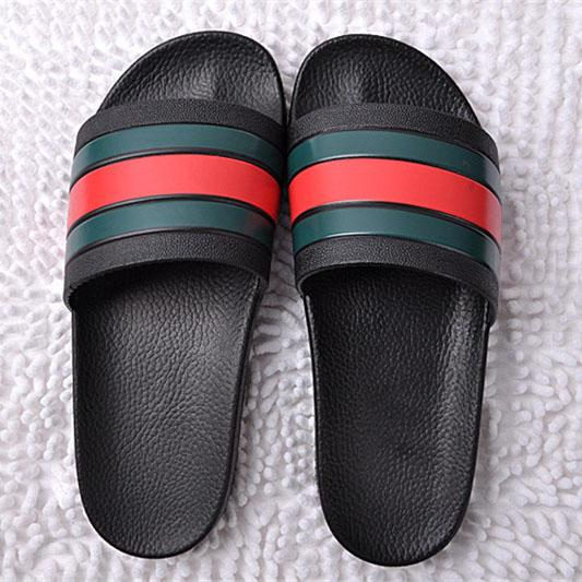 Chinelos Novos Marca Carta Slides Homens Sandálias De Borracha De Verão Praia Escalada Moda Scuffs Chinelos Sapatos Indoor Tamanho 2 Estilo