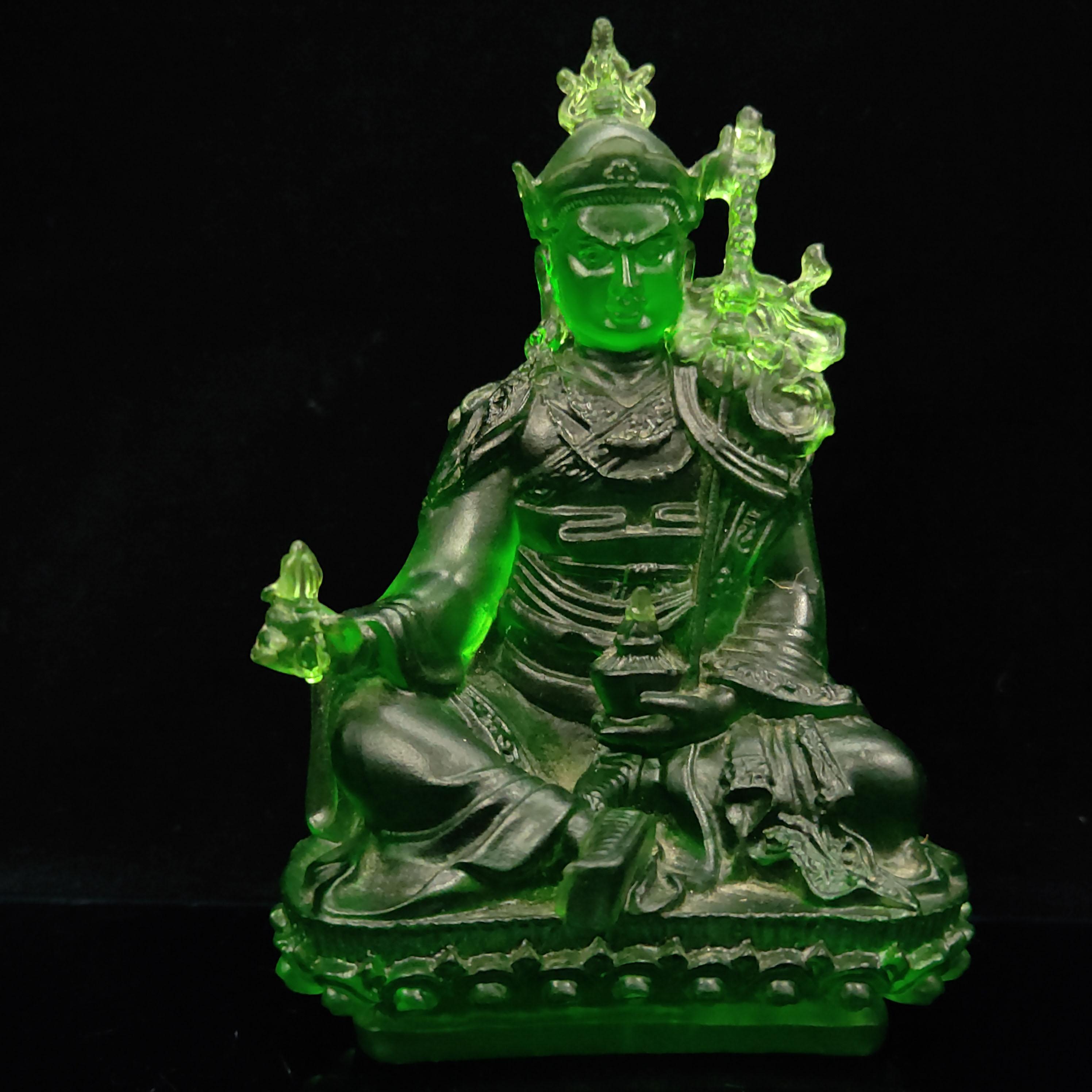 Chinois antique verre vert Bouddha sculpté à la main Modèle Statue LL025