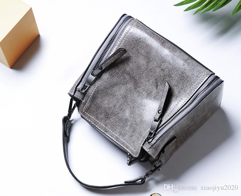 2019 new fashion wild motorcycle bag wild simple Messenger bag shoulder leather mini ladies bag Grey