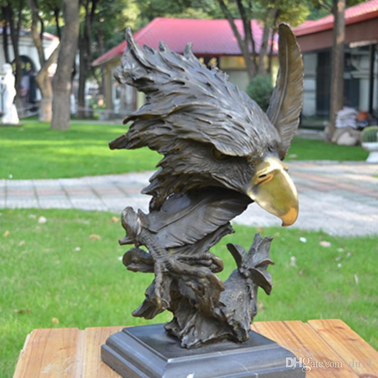 Bronze sculpture decoration eagle eagle eye eagle art home decoration housewarming practice gifts feng shui decoration