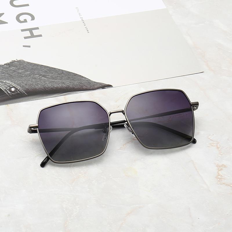 HighQuality 패션 라운드 여성 선글라스 남성 여성 디자이너 1 개 브랜드 태양 안경 골드 메탈 블랙 다크 50mm의 유리 렌즈 더 나은 블랙 박스