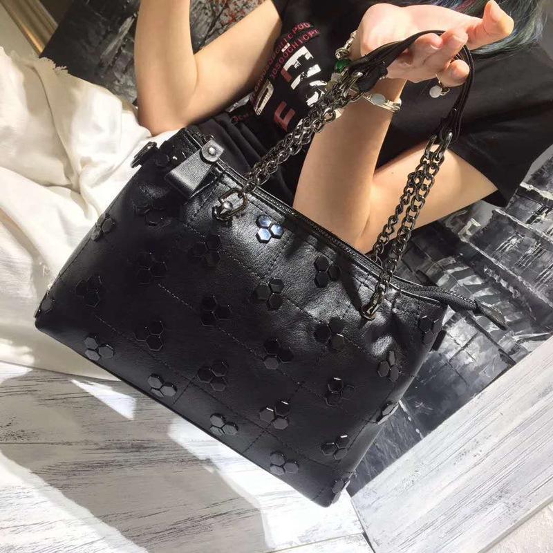 Cadeia de Luxo Moda Mulheres Rivet Bolsas Mensageiro New Bag Ladies Bolsa Casual Bolsas Sac A Femme principal Bolsa de Ombro