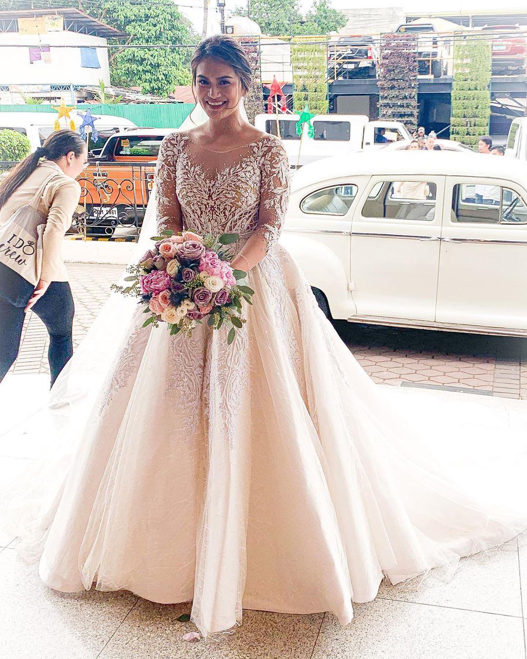 2020 Plus Size vestidos de noiva árabe Aso Ebi Lace frisada Vintage longo mangas pura Pescoço vestidos de noiva cristais Wedding Vestidos ZJ216
