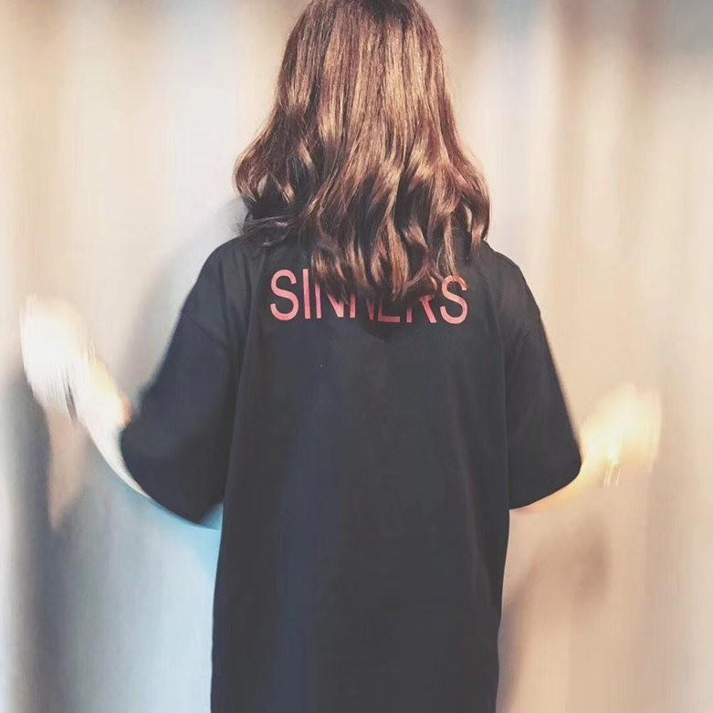 18SS 죄인 고품질 로고 인쇄 로고 티셔츠 패션 남자 여자 커플 최고 품질 티 HFWPTX012