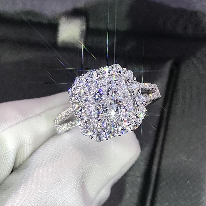 럭셔리 스파크 크게 큰 돌 지르콘 실버 컬러 반지 여성을위한 약혼 결혼 반짝이 반지 파티 쥬얼리 패션 여성 2019