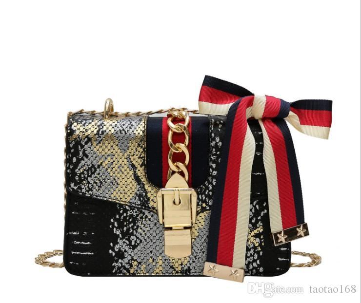 bolsa de ombro padrão de personalidade amor Design Fechamento mulheres Messenger Bag de alta qualidade sacos de desconto das mulheres
