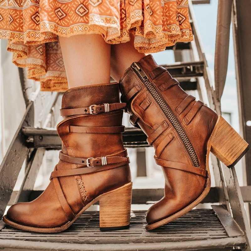 Kadınlar Boots Sivri Ayakkabı Çok katmanlı Toka Geri Fermuar Katı Renk Vintage Kemer Toka Boots Büyük Boy 43 Yüksek topuklu