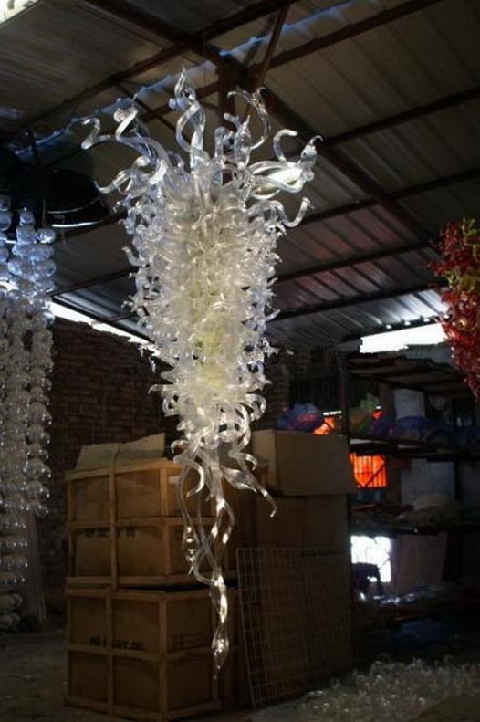China Factory-outlet Mão vidro soprado grandes lustres Luz Murano Vidro de cristal barato LED AC Lâmpadas de suspensão Pingente