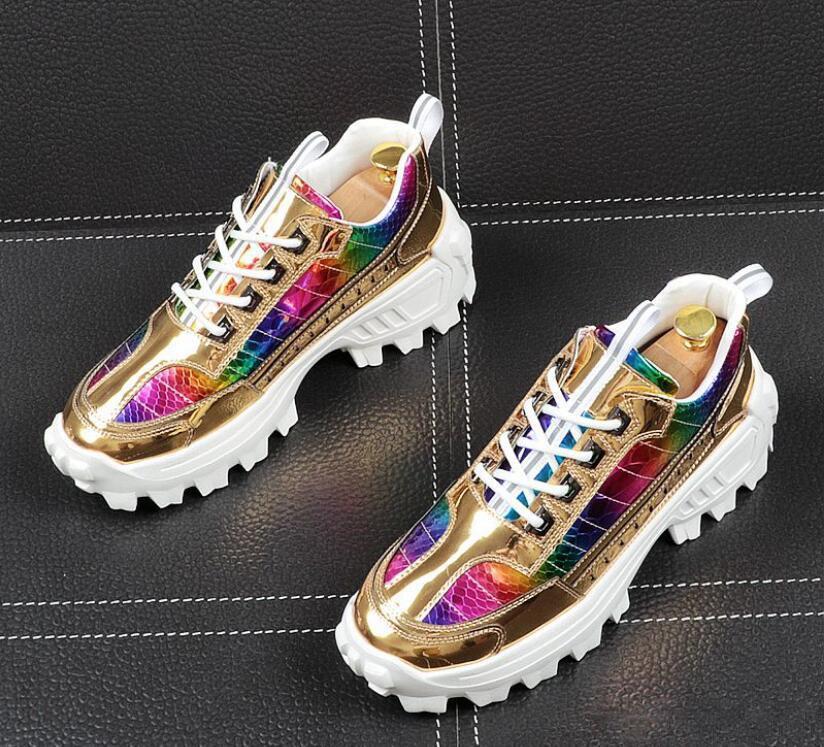 Новая мода Mens досуг золотой цвет доски обувь британский дизайнер с танкетки веб-знаменитость Человек отдыха