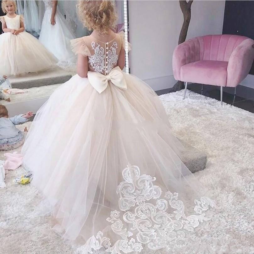 귀여운 스윕 서양 정장 결혼식 크루 넥 캡 슬리브 Appliqued 활 돌아 가기 긴 유아 어린이 생일 드레스 훈련을 꽃의 소녀 드레스