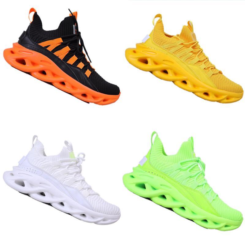 Con la caja 2020 la manera del estilo de los hombres de los zapatos ocasionales de la mosca tejida transpirable calzado deportivo ahuecado cuchilla inferior golpes absorbente zapatos del recorrido