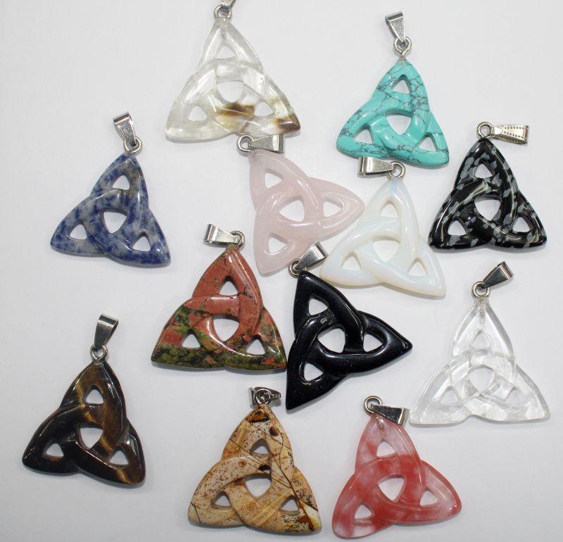 8pcs Natural pedra de cristal Turquoises olho de tigre carving pendant triângulo oco para DIY jóias fazendo colar acessórios