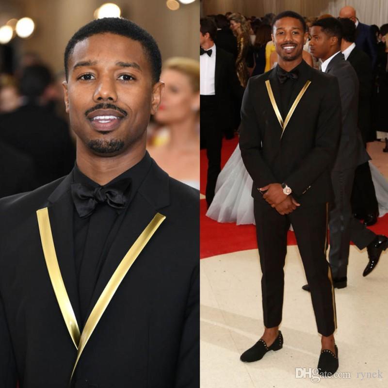 Costumes Hommes noirs pour la cérémonie Prom Party Slim Fit Groom Tuxedo or Lapel 2piece meilleur homme Blazer Dernières Manteau Pantalon Homme Création des costumes