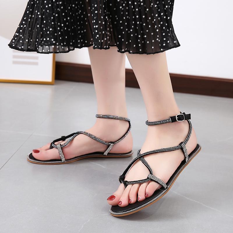 Yapay elmas Bordürlü strappy Düz Gladyatör Sandalet Kadınlar 2020 Yaz Sweet Açık Burun Plaj Sandalet Kadın Pembe Siyah Gümüş Ayakkabı