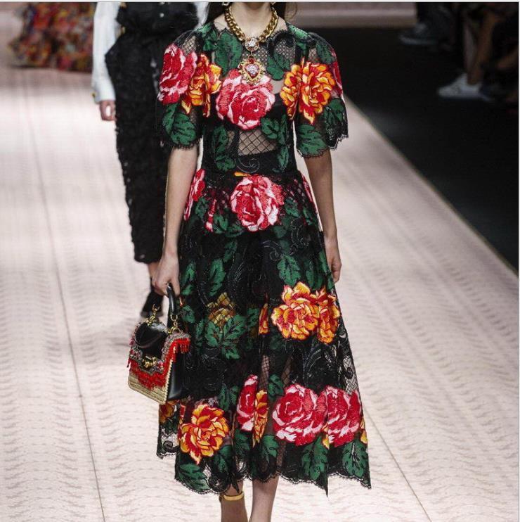 2019 Frühlings-Marke Same-Art-Kleid-Abschlussball-Mode mit Rundhalsausschnitt Mitte Kalb Short Sleeve Mesh-Stickerei-Frauen-Kleidung SH
