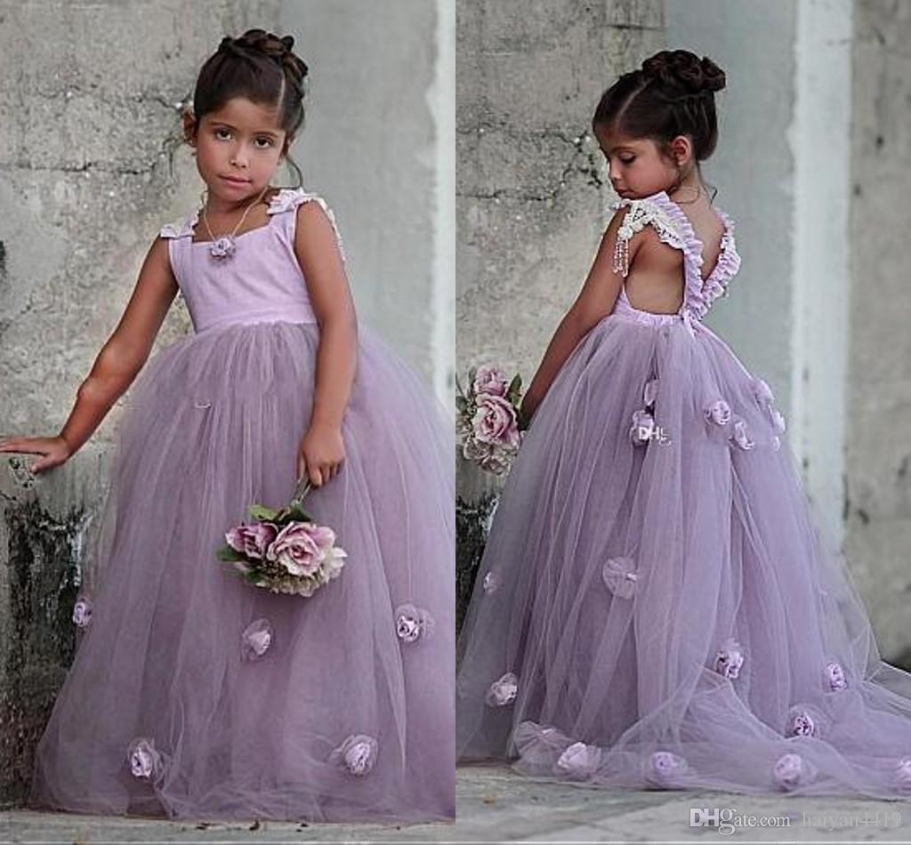 2020 새로운 도착 라벤더 꽃의 소녀 드레스 결혼식을위한 Squsre 목 얇은 명주 그물 3D 꽃 등이없는 여자 선발 대회 드레스 키즈 영성체 드레스