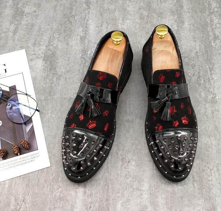 Männer Art und Weise Lederschuh Mann Niete Freizeitschuhe Quasten sneaker Mann Faulenzer männliche Schuhe koreanische schwarze Schuhe Sequin