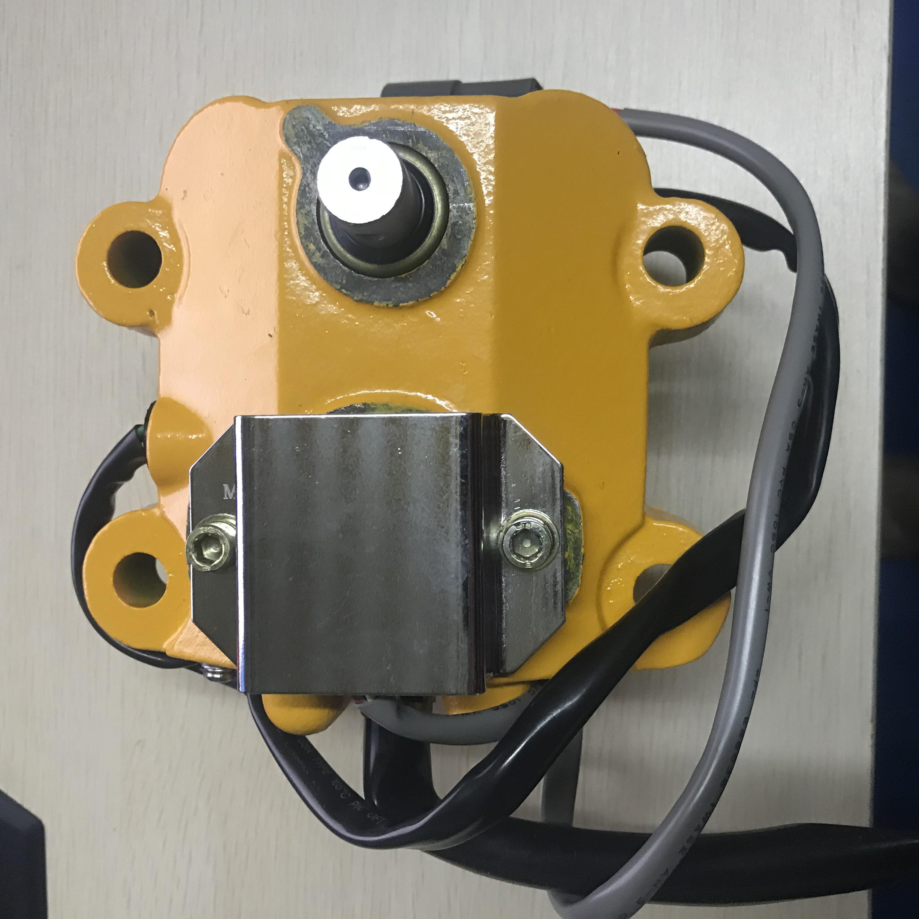 굴삭기 액세서리 KOMATSU 스로틀 모터 7824-30-1600 적용 모델 : PC100-5 / PC120-5 / PC200-5 / PC220-5 / PC300-5 / PC410-5 / R220LC-5 / R210