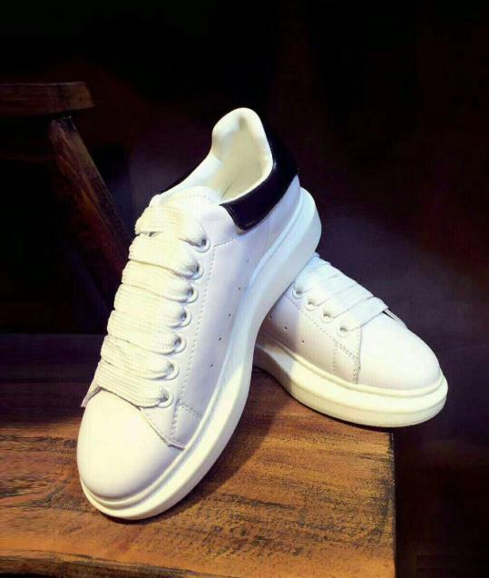 Designer de Luxo Homens Casual Shoes Men Casual Designer de sapatos de luxo Sneakers das mulheres dos homens da forma sapatilhas de couro Casual Shoes H02