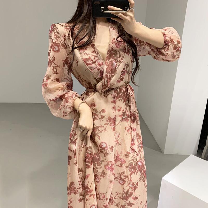 Повседневные платья Корейский стиль мода женское платье весна 2021 V-образным вырезом притягиваются дамы с длинным рукавом печать одежда V950