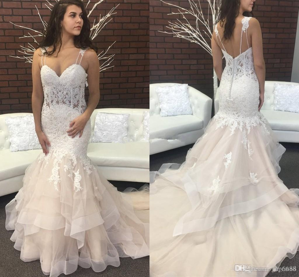 2018 Abiti da sposa alla sirena trendy Spaghetti Backless Sweep Train Appliques Garden Country Abiti da sposa