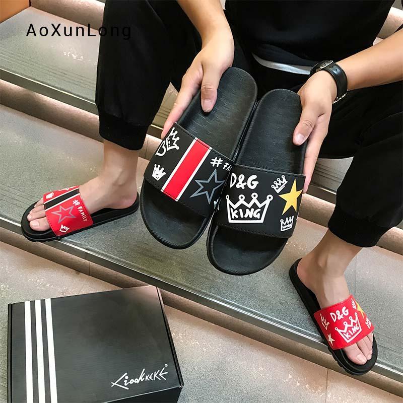 Chinelos de verão dos homens de moda 2019 novo não-deslizamento tendência juventude Sandálias de couro de grão integral ao ar livre praia desliza flip-flops sapatos