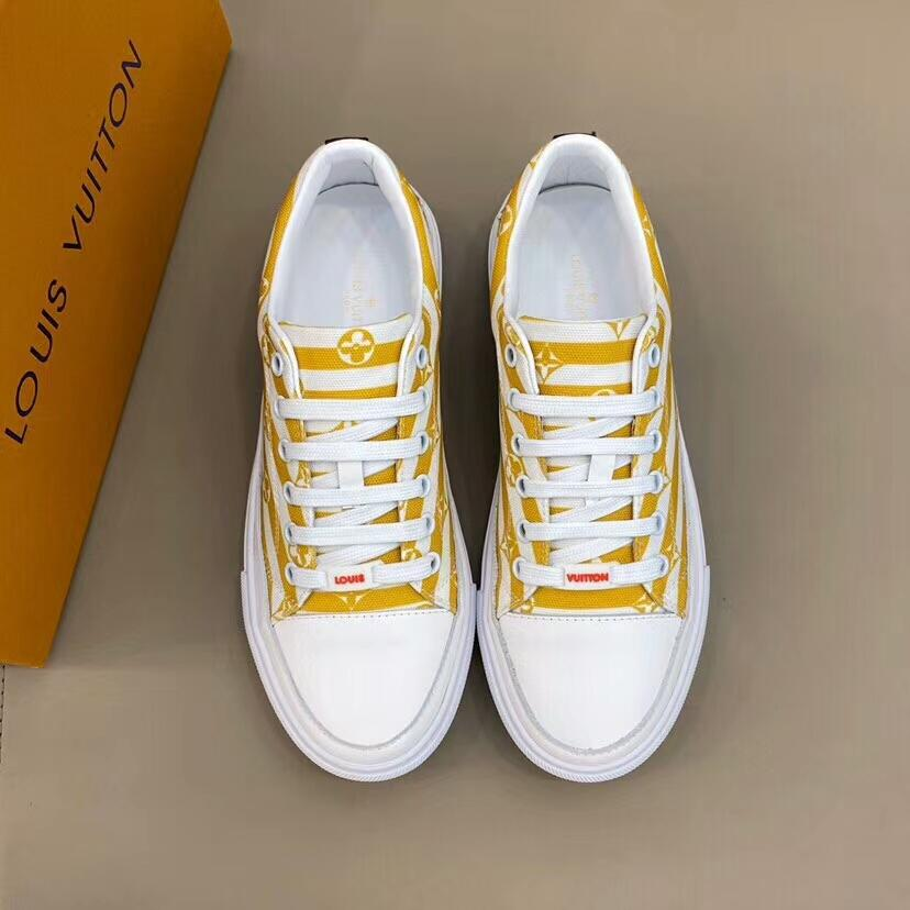 Hot récent Hommes Rhyton Sneaker en cuir avec vague bouche Imprimer Glitter Strawberry Sneakers Mode Papa Courir Luxe Femmes Chaussures 734