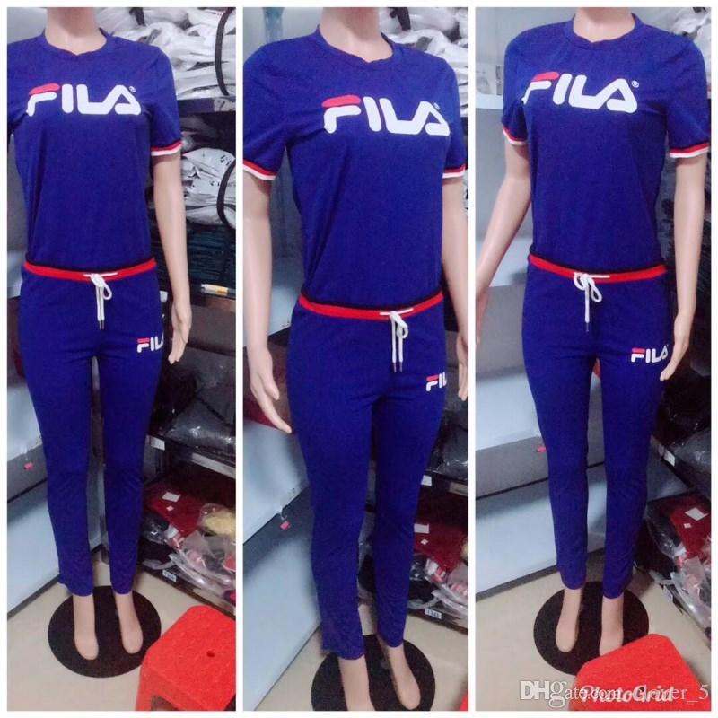 Womens sexy Tute valigia due pezzi per la moda sportiva set caldo con cappuccio felpa con cappuccio legging con buone qualità klw0389