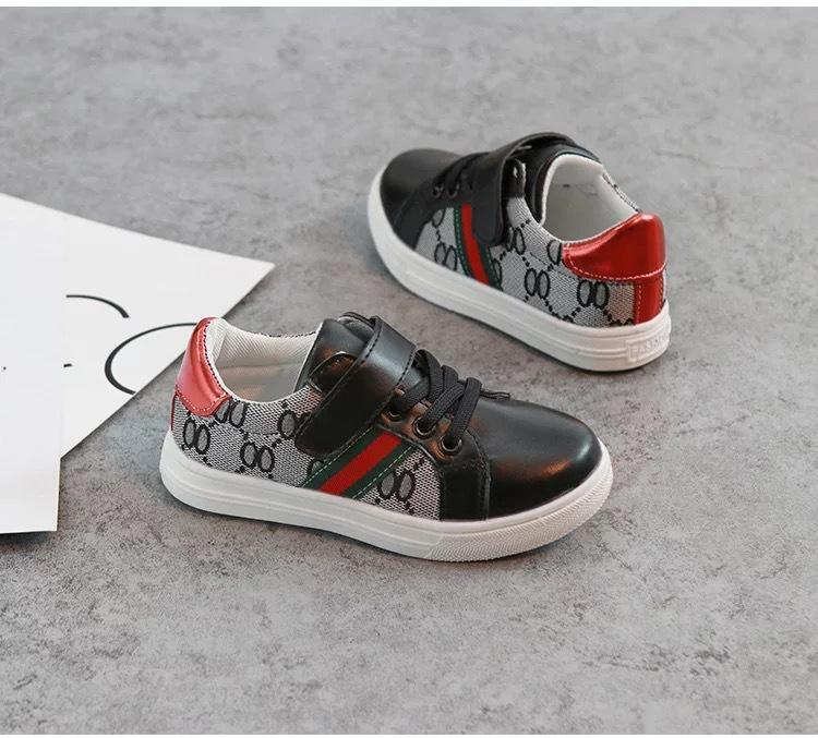 키즈 디자이너 신발 럭셔리 패턴 스케이트 보드 신발 패션 인쇄의 babys 첫 번째 워커 소녀 소년 스니커즈 2 색