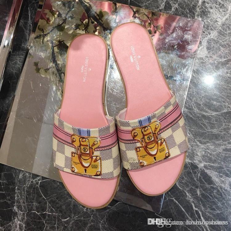 luxuur Sandales pour les femmes 2020 les plus récents pantoufles de luxe de la mode été motif d'impression numérique Casual chaussures Jelly avec serrure