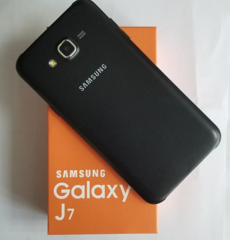Remis à neuf d'origine Samsung Galaxy J7 J700F Dual SIM 5,5 pouces Octa RAM 16 Go de base 1.5GB ROM 4G LTE débloqué téléphone DHL