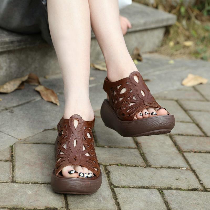 Pelle Donna sandali con zeppa donne dei tacchi alti scarpe estive Peep Toe Black Beach pattini dei sandali del cuoio genuino Handmade2020