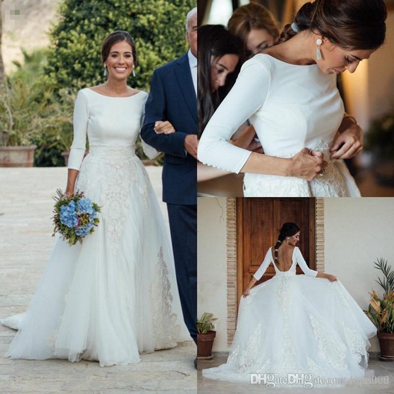 Blanc élégant Une ligne robes de mariée avec overskirts détachables encolure dégagée 3/4 manches longues robe de mariée plage Backless robe de mariée