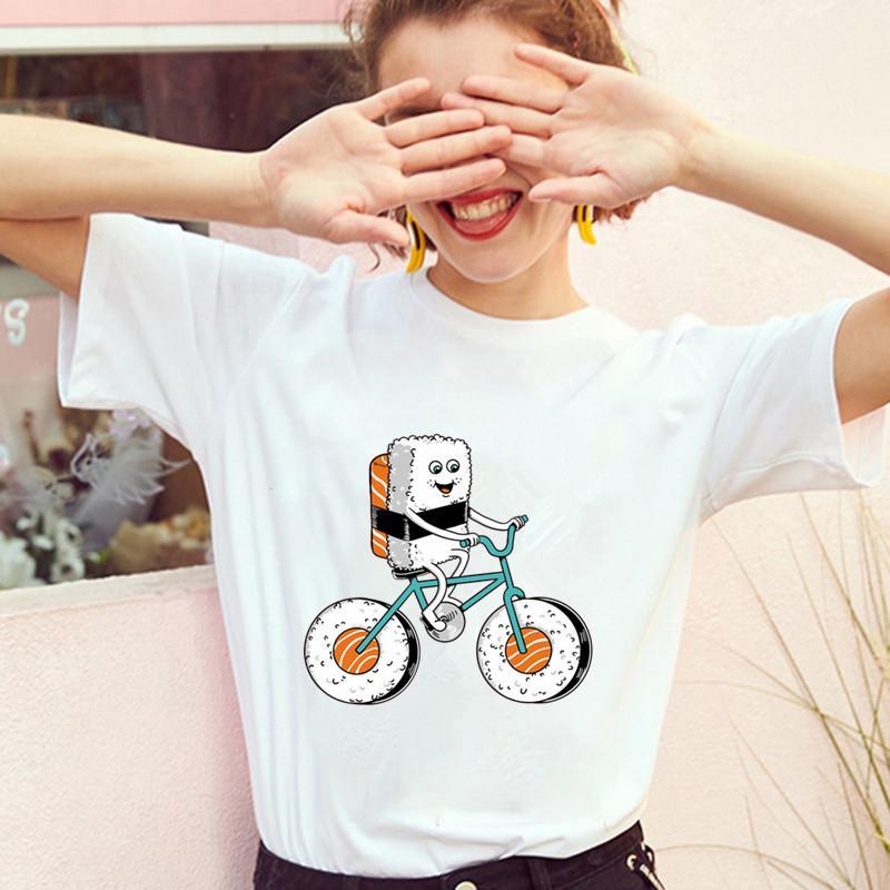 اليابانية نمط الكرتون عارضة المرأة تي شيرت لطيف السوشي دراجات طباعة تي شيرت فتاة قمم أزياء المرأة تيز الشعبية قصيرة الأكمام