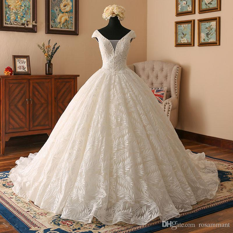2020 Newest Cap Sleeves Ivory Lace Ball Gown Wedding Dress Pregnant Lace Appliques Plus Size Custom Made Bridal Gowns