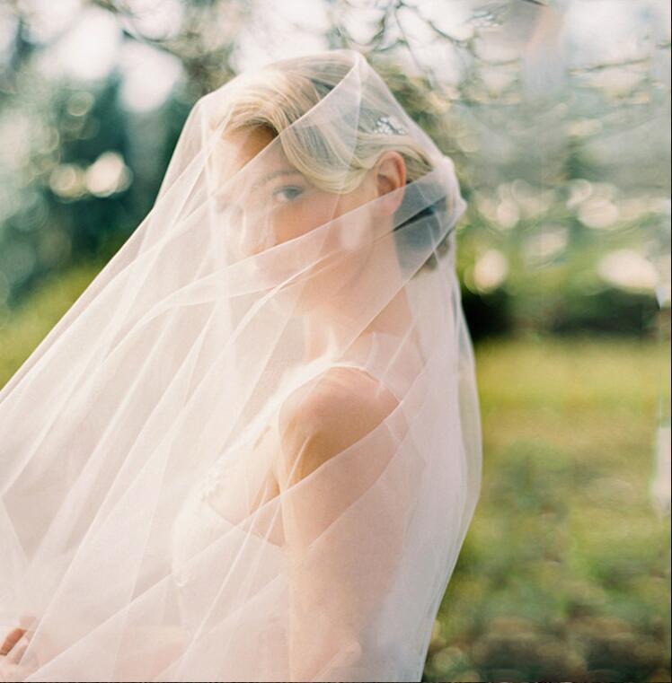 Las mujeres s Spark Mejores Ventas de Marfil novia de la boda velos alta calidad Veu de Noiva Longo barato Tul eventos formales Accesorios