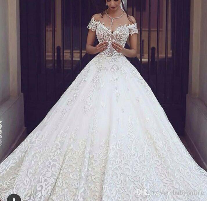 Роскошные бальные платья, свадебные платья, длинные кружева, длинные шлейфы, белые слоновые кости, свадебные платья, сексуальные V-образным вырезом, короткие рукава, свадебные платья
