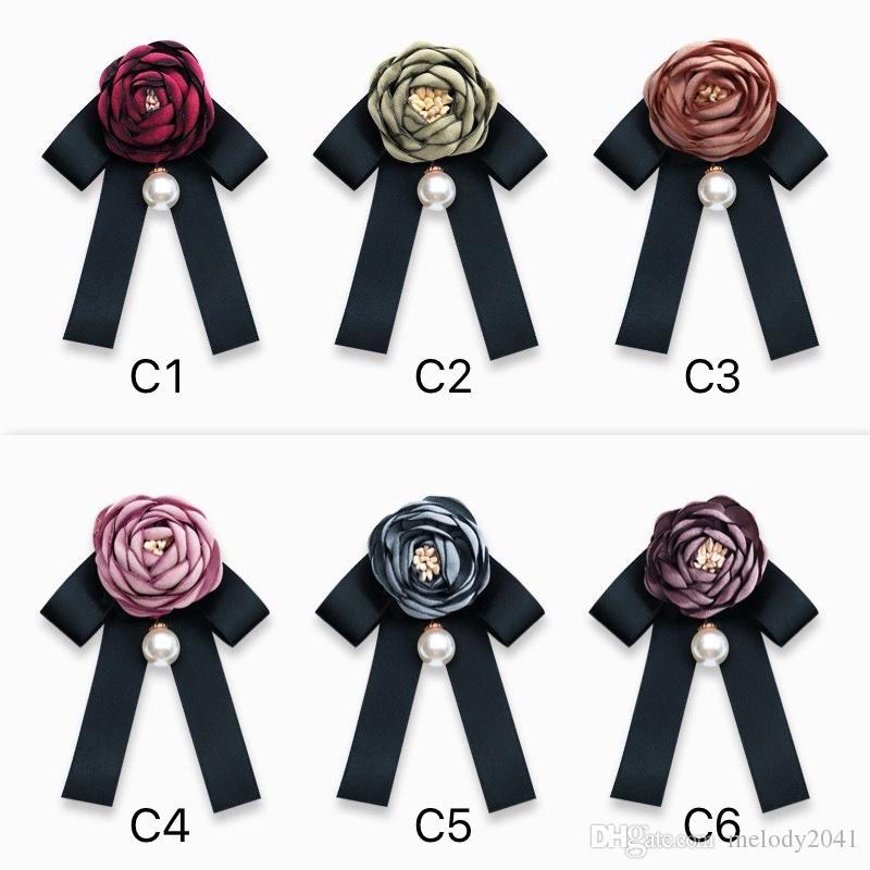 Diseñador retro rosa perla broches de la flor Negro Pajarita blusa de cuello de ropa Pin Boutonniere 6 colores Accesorios de Moda Mujer Joyería