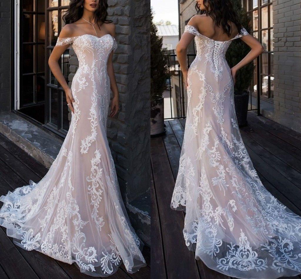 2021 Champagne Elfenben Blommor Lace Bohemian Bröllopsklänningar Mermaid Off Shoulder Sleeves Backless Bridal Dress Bröllopsklänning Berta Plus Storlek