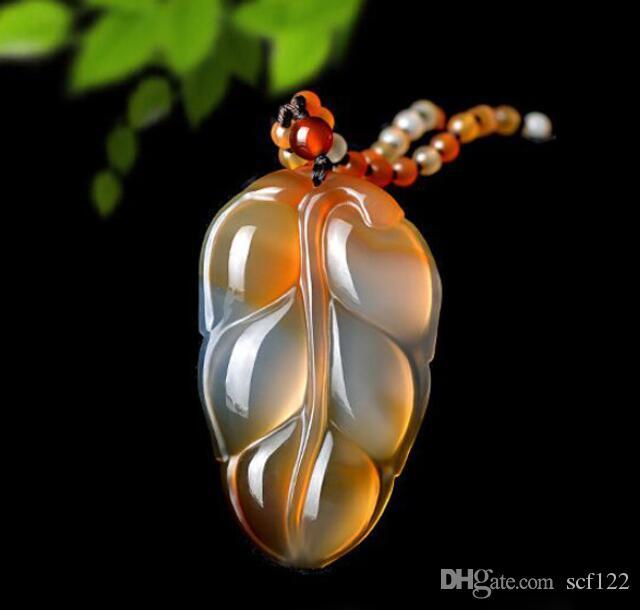Seme puro ghiaccio naturale di foglie di giada ramo calcedonio oro pendente uomini e donne foglia calcedonio ciondolo collana