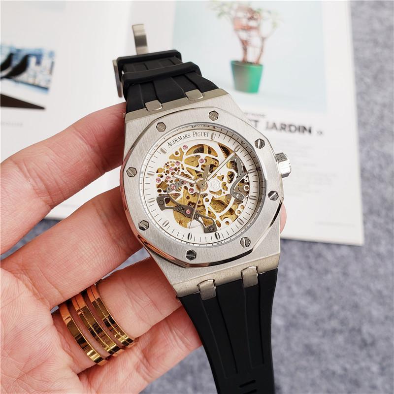 luxo mens designer de movimento mecânico automático relógios Sapphire vidro 5 ATM impermeável borracha pulseira Mergulho Super recorte Assista U1